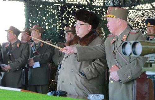 North_Korean_leader_Kim_Jong_Un_watches_landing_and_anti-landing_exercises_338427942