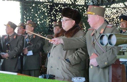 North_Korean_leader_Kim_Jong_Un_watches_landing_and_anti-landing_exercises_338427942